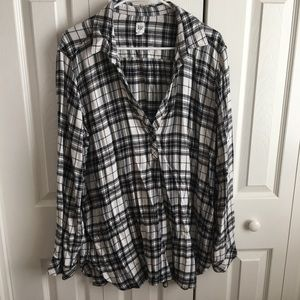 Gap black and white flannel